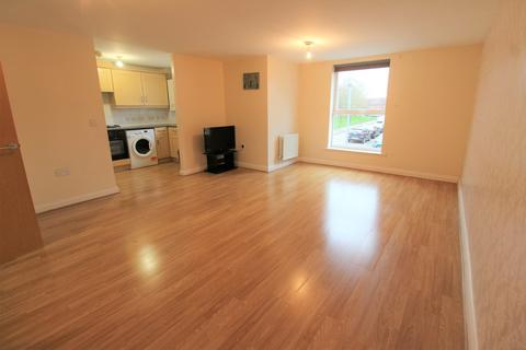 2 bedroom flat to rent - Admiralty Close, West Drayton