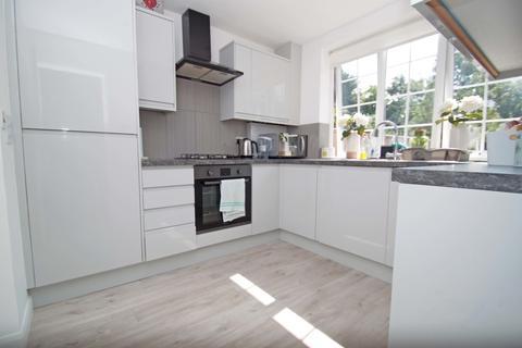 2 bedroom ground floor maisonette to rent - Richmond Road, New Barnet, EN5 - OWN PRIVATE GARDEN