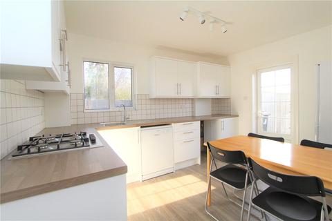 3 bedroom bungalow to rent - Lowfield Road, London, W3