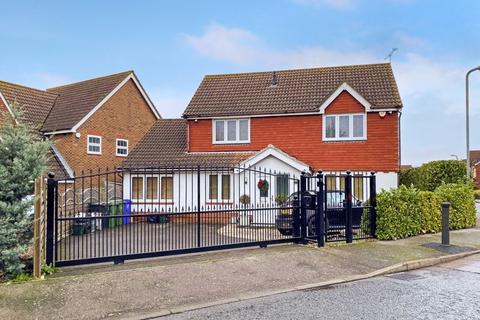 5 bedroom detached house for sale - Doubleday Drive, Heybridge - Maldon
