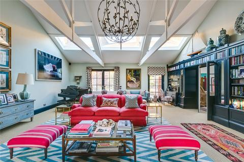 6 bedroom mews to rent - Turnchapel Mews, London, SW4