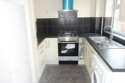 3 bedroom semi-detached house to rent - St Davids Avenue, Dinas Powys,