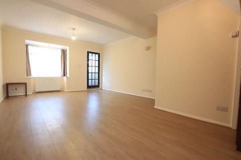 3 bedroom terraced house to rent - Soham Road, Enfield EN3