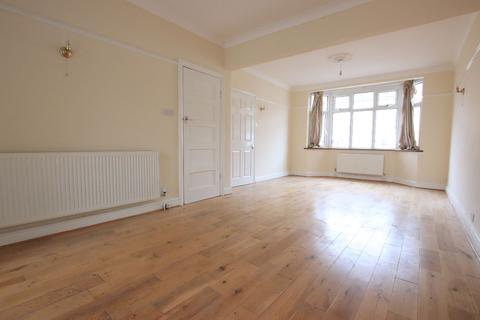 4 bedroom semi-detached house to rent - Hewish Road, London N18