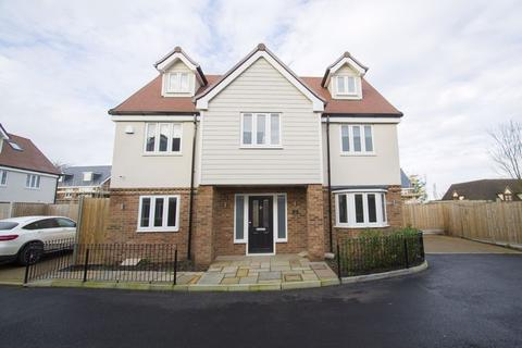5 bedroom detached house to rent - Abbotts Way Oak Hill Road, Stapleford Abbotts RM4