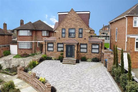 5 bedroom detached house for sale - Curthwaite Gardens, Enfield