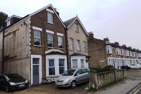 2 bedroom apartment for sale - Derby Road, Enfield, EN3