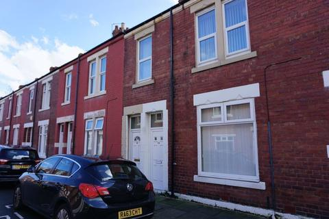 3 bedroom apartment to rent - * FIRST MONTH FREE * Stanley Street, Wallsend