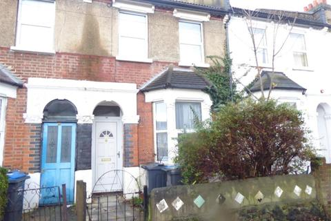 3 bedroom terraced house to rent - Grasmere Road, London