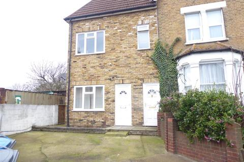 2 bedroom flat to rent - Charnwood Road, London