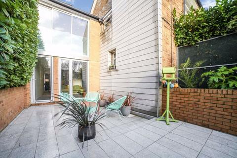 2 bedroom end of terrace house for sale - Lyham Road, Brixton, London