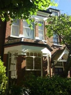 1 bedroom flat to rent - Church Crescent, Muswell Hill, London, N10