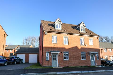 4 bedroom semi-detached house for sale - Burton Street, Wingerworth, Chesterfield