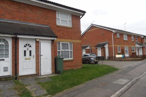 1 bedroom property to rent - Rochford Drive, Wigmore - Ref:P1655