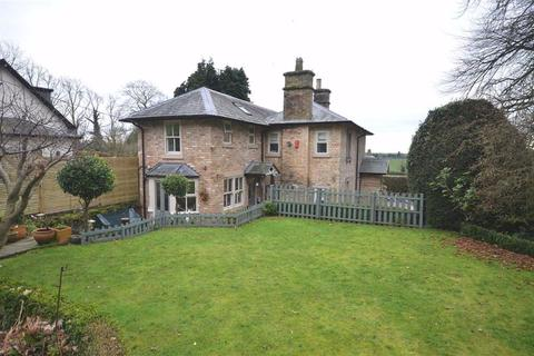 4 bedroom detached house for sale - Oulton, Stone