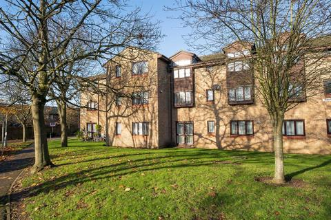 1 bedroom flat for sale - Woodlea Court, Cowley