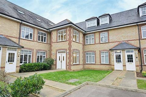 2 bedroom flat for sale - Rainsborough Court, Hertford, SG13