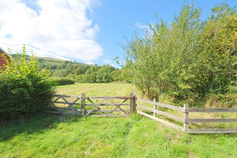 4 bedroom property with land for sale - Llan, Llanbrynmair