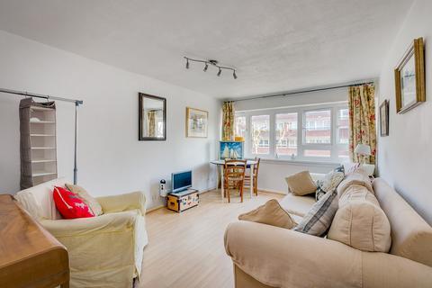 1 bedroom flat to rent - Winders Road, SW11