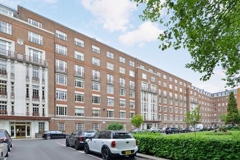 6 bedroom flat - Eyre Court, London, NW8