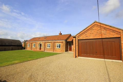 3 bedroom detached bungalow to rent - Old Quarrington, Durham