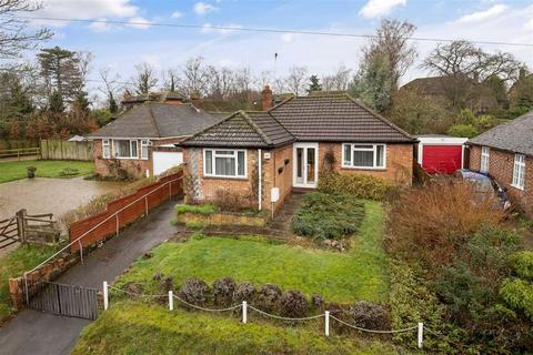 2 bedroom detached bungalow for sale - The Street, Willesborough, Ashford