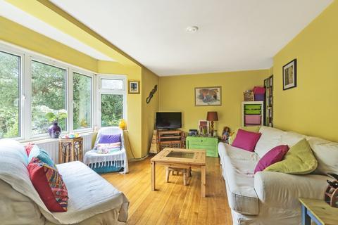 2 bedroom flat for sale - St. Johns Park London SE3