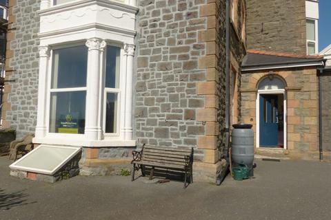 2 bedroom flat for sale - Flat 4 Marine Court,  Barmouth, LL42 1NB