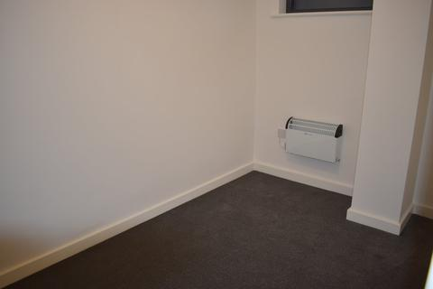 Studio to rent - Dallow Road, Dallow