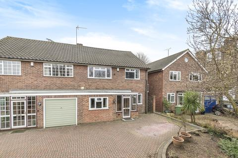 5 bedroom semi-detached house for sale - Lesney Park Road Erith DA8