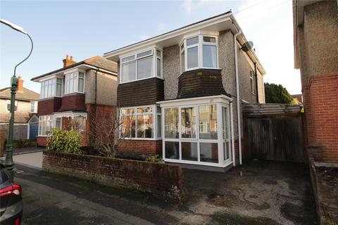 3 bedroom detached house for sale - Carey Road, Moordown, Bournemouth, BH9