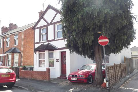 1 bedroom house share to rent - Moorlands Road, Camberley, Surrey GU15