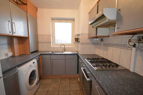 3 bedroom apartment to rent - Middelton Street, London