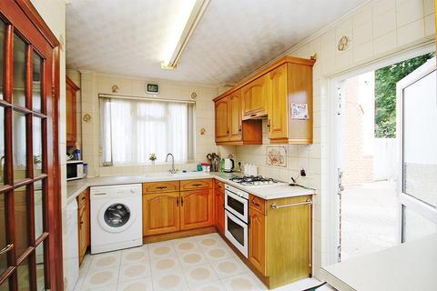 3 bedroom house for sale - Kelvin Gardens, Southall, UB1