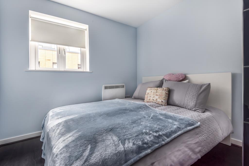 Slough Berkshire Sl2 1 Bed Flat For Sale 163 230 000