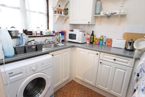 1 bedroom flat for sale - Hickory Close, London, N9