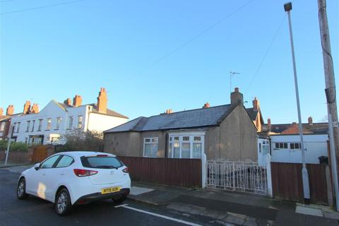 2 bedroom bungalow for sale - West Crescent, Darlington, Durham, DL3 7PR