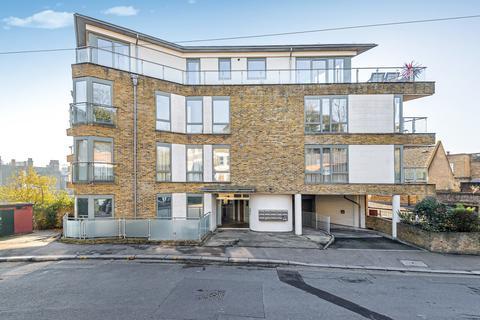 2 bedroom flat to rent - Wemyss Road Blackheath SE3