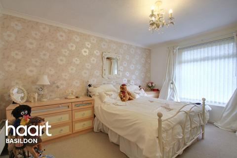 1 bedroom bungalow for sale - Little Searles, Basildon