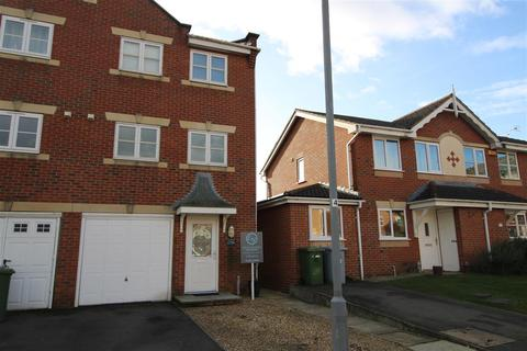 3 bedroom townhouse for sale - Cludd Avenue, Newark