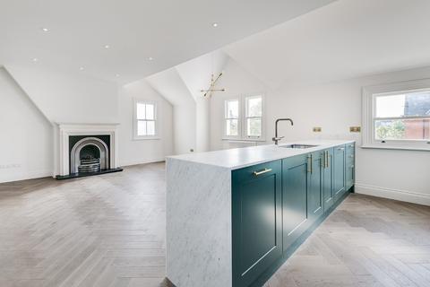 3 bedroom flat to rent - Drakefield Road, SW17