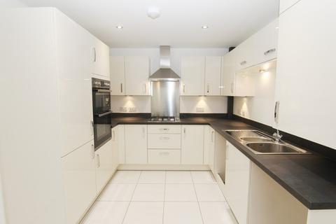 3 bedroom semi-detached house to rent - 54A Farnborough Road