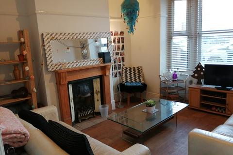 4 bedroom house share to rent - Walton Road