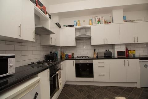 8 bedroom house share to rent - Charlotte Road