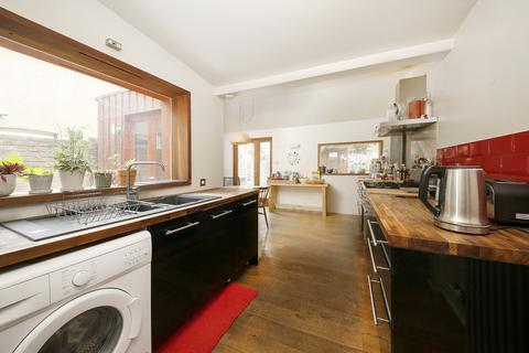 3 bedroom terraced house for sale - Choumert Road, London