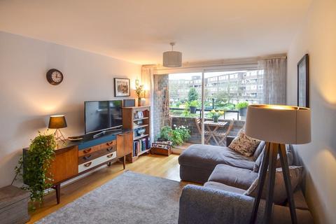2 bedroom apartment for sale - Justin Close, Brentford