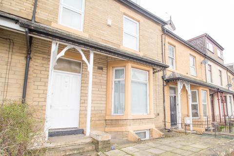 2 bedroom apartment to rent - Laisteridge Lane, Bradford, BD7
