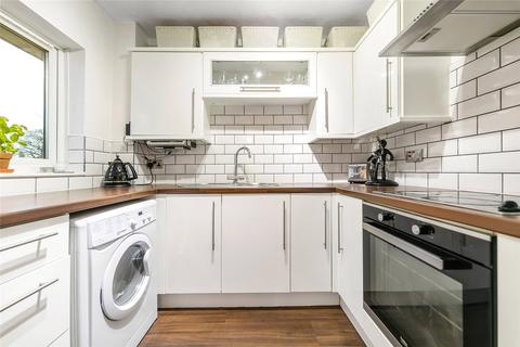 2 bedroom flat for sale - St. Benedicts Close, London, SW17