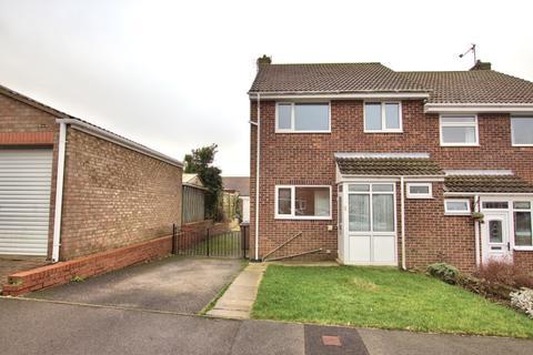 3 bedroom semi-detached house to rent - North Leas Walk, Bridlington