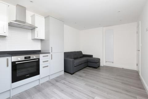 2 bedroom apartment to rent - Stapleton Hall Road, Stroud Green, London